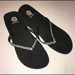 YELLOW BOX black & crystal Jello sandals